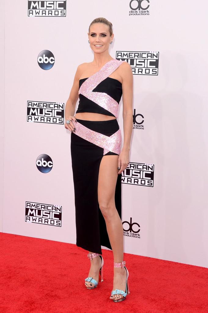 Heidi-Klum-in-Versace-2014-American-Music-Awards-