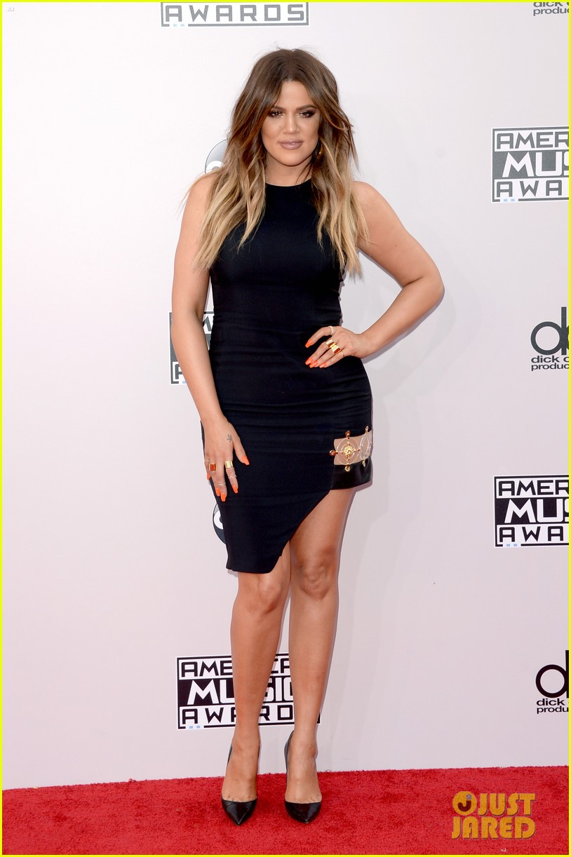 kendall-kylie-jenner-khloe-kardashian-american-music-awards-2014-01