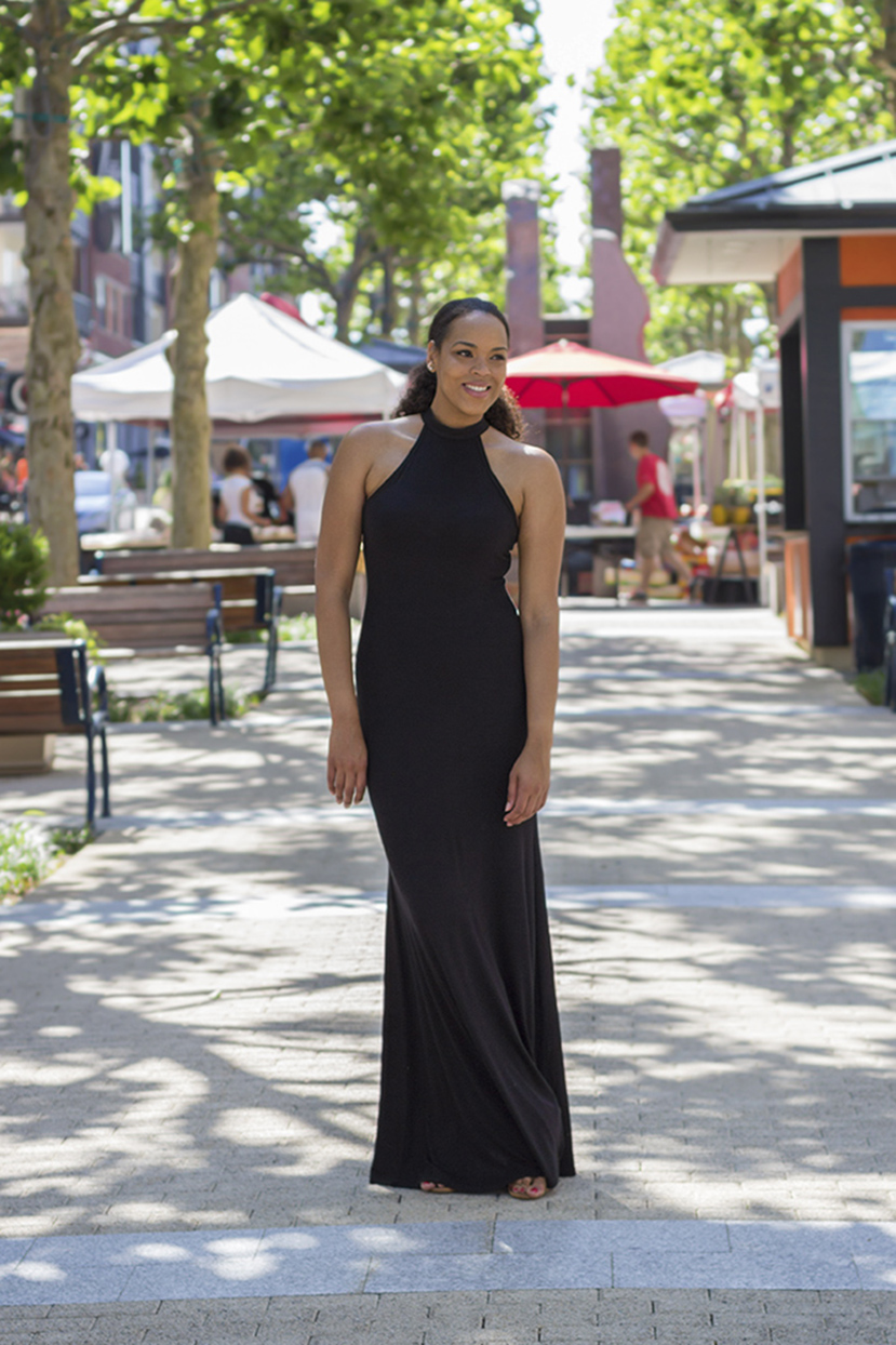 The-Height-Clothing-For-Tall-Women-The-Tall-Muse-Tall-Blogger-Laci-Tall-Maxi-Dress