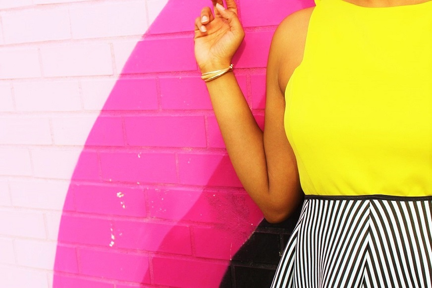 black-white-stripe-skirt-yellow-top